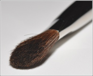 mac eyeshadow brish 213 fluff brush blog australia ireland sydney beauty
