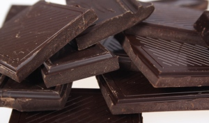 dark chocolate good for you antioxidants lower blood pressure health