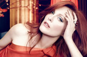 julianne moore skin beauty secrets at 50 beauty blog skincare SPF
