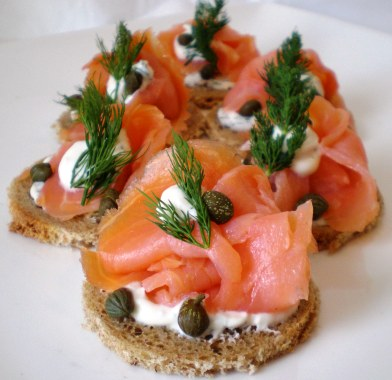 smoked salmon toast breakfast healthy fitness